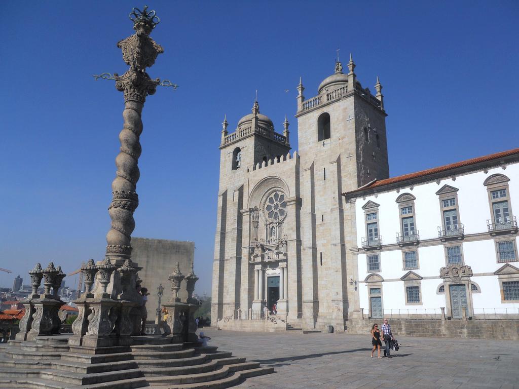 Kathedraal s de toeristische trekpleister van porto - Verblijf kathedraal ...